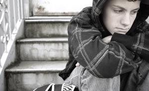 depressed-teen-istock