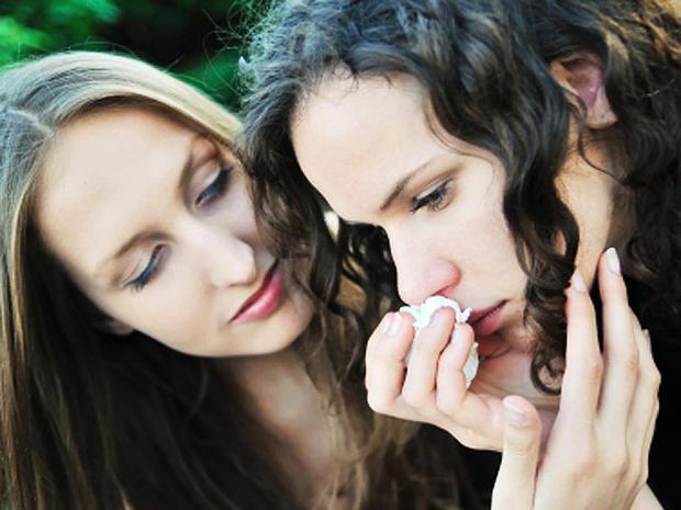 young-women-comforting